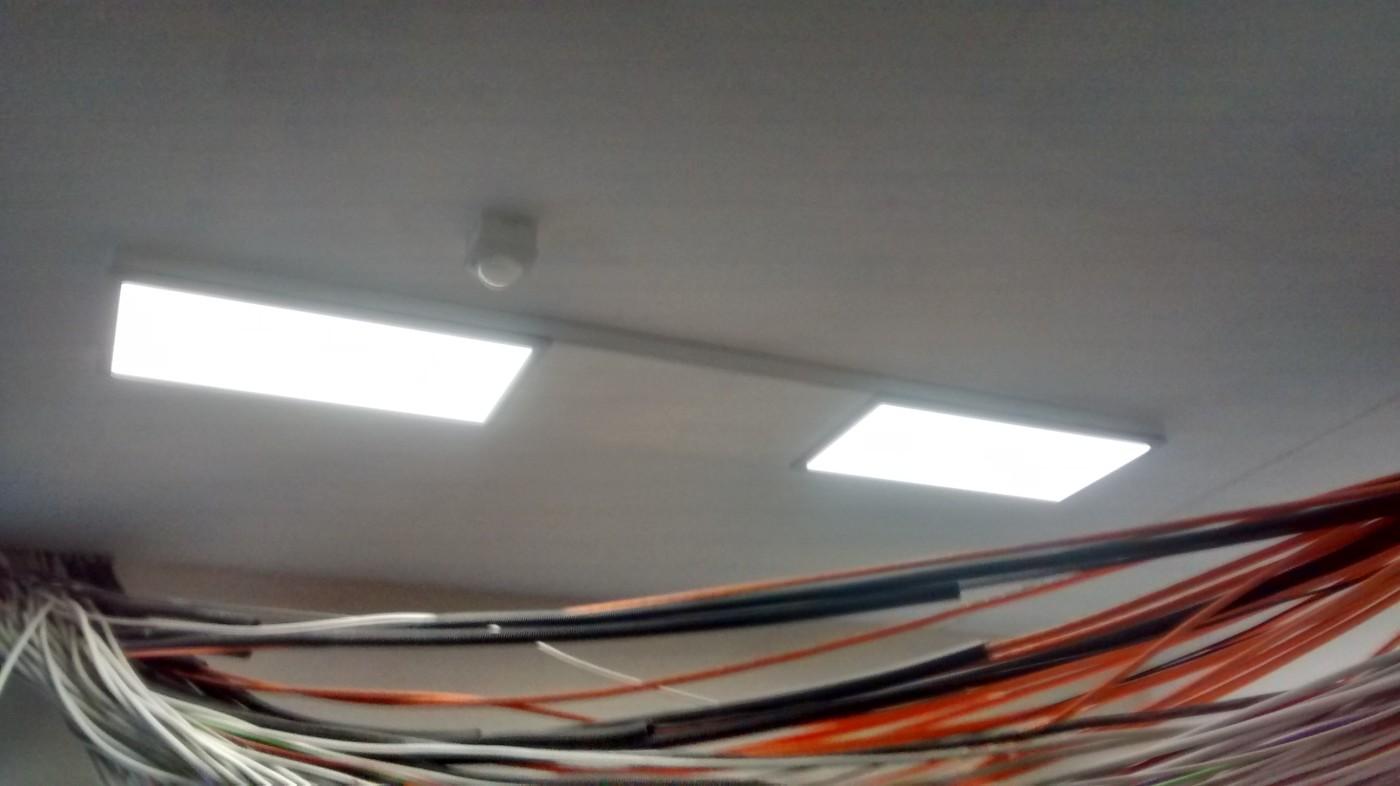 beleuchtung mit led panels und stripes baublog. Black Bedroom Furniture Sets. Home Design Ideas
